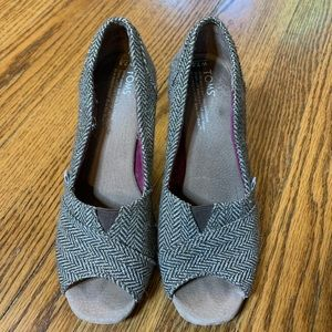 Toms Calypso Brown Metallic Cork Peep Toe Wedges
